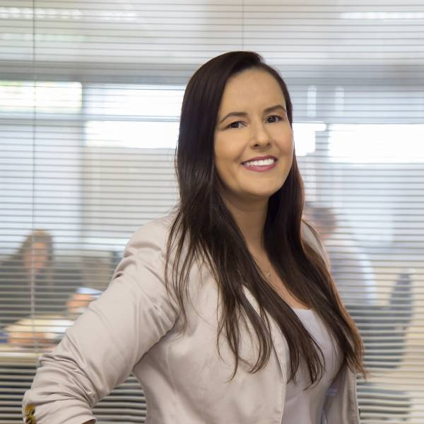 Beatrice Veiga [Consultora Comercial]